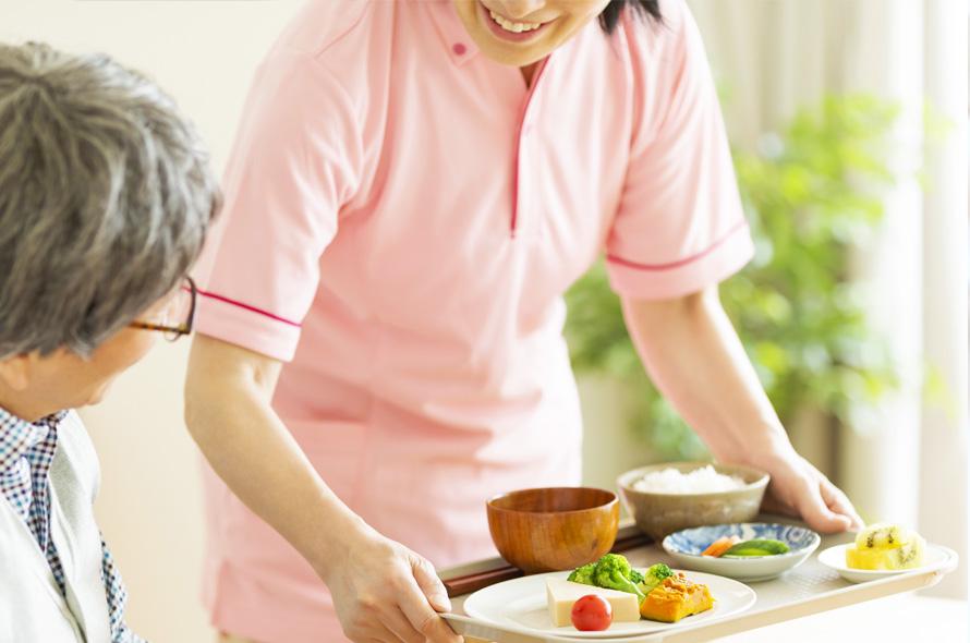 高齢者の方にもおいしく食べやすい食材の提供を